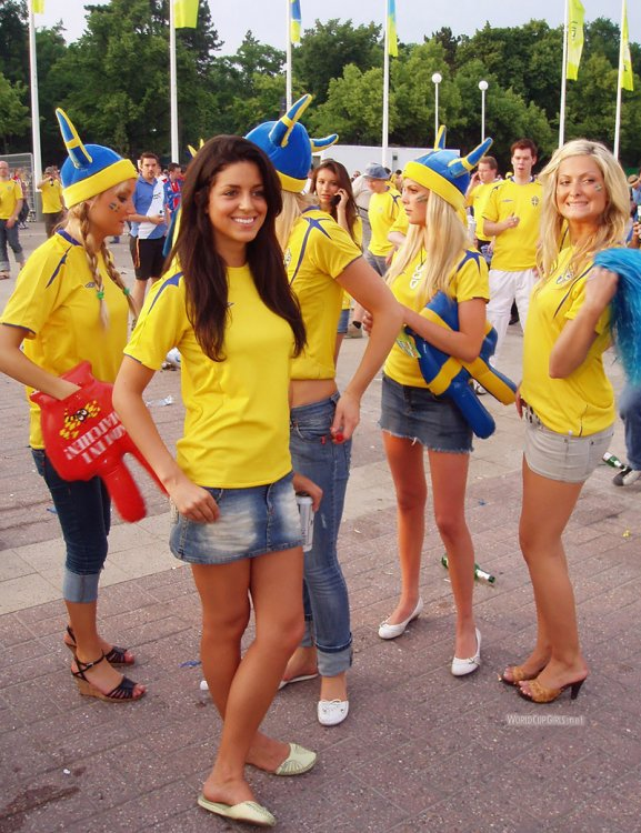 world-cup-hotties-06_swedish.thumb.jpg.0484577ad644c4b71ade789a2ff71398.jpg